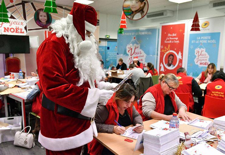 Dans les coulisses du secrétariat du Père Noël