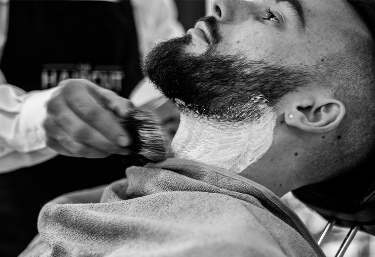Le métier de barbier au féminin