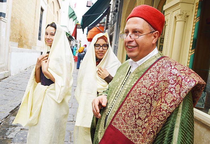 Le tissage du Sefsari un métier, une passion