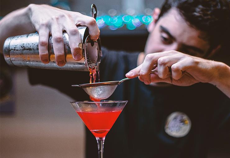 S'insérer professionnellement grâce aux métiers du bar