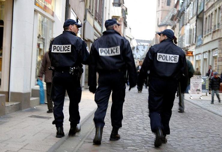 Commissaire de police à 30 ans ?
